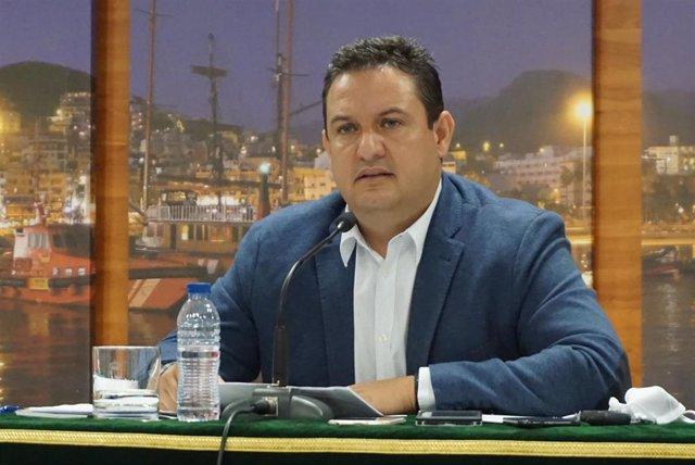 Archivo - El alcalde de Arona, Juan José Mena