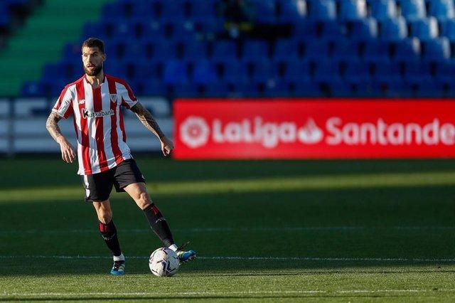 Archivo - Iñigo Martínez durante un partido del Athletic Club