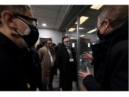 El conseller d'Empresa i Coneixement de la Generalitat de Catalunya, Ramon Tremosa, durant la visita a Comforsa.