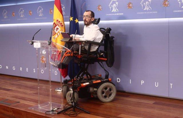 El portaveu d'Unides Podem al Congrés, Pablo Echenique, intervé en una roda de premsa. Madrid (Espanya), 25 de febrer del 2021.