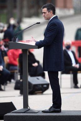 El president del Govern central, Pedro Sánchez, intervé durant un acte de destrucció simbòlica de gairebé 1.400 armes, al Col·legi de Guàrdies Joves Duque de Ahumada, a Valdemoro. Madrid (Espanya), 4 de març del 2021.