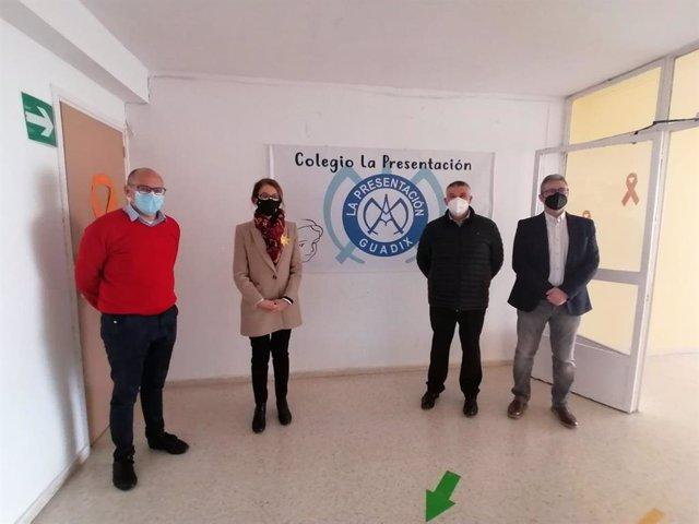 Visita de Junta y Ayuntamiento al centro docente privado La Presentación de Nuestra Señora de Guadix