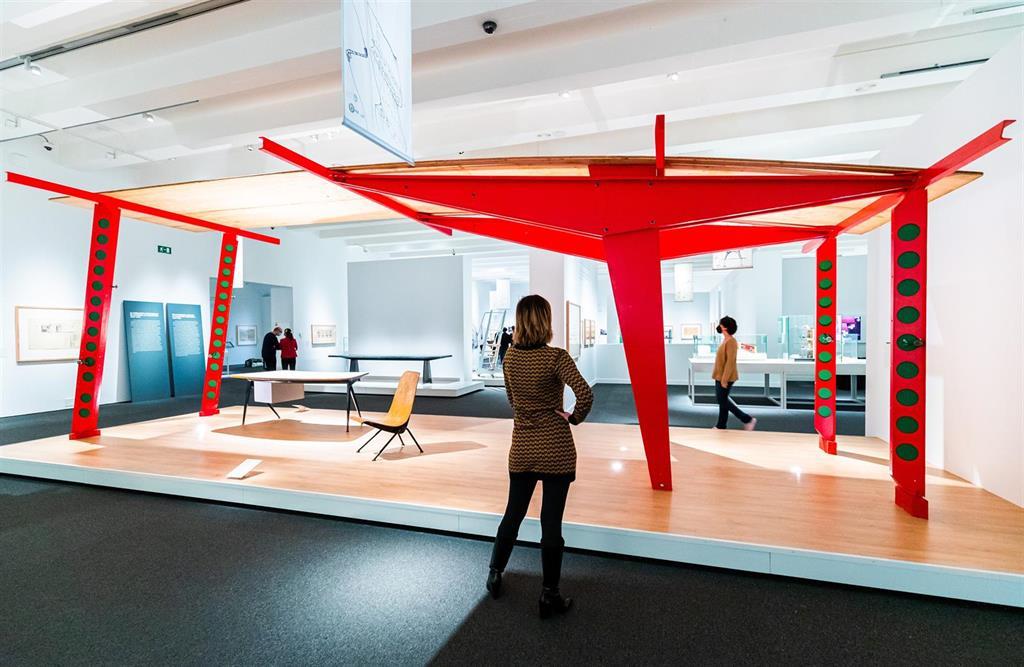 """Caixaforum Madrid alberga la """"revolución"""" de la arquitectura """"sencilla"""" de la mano de Jean Prouvé"""