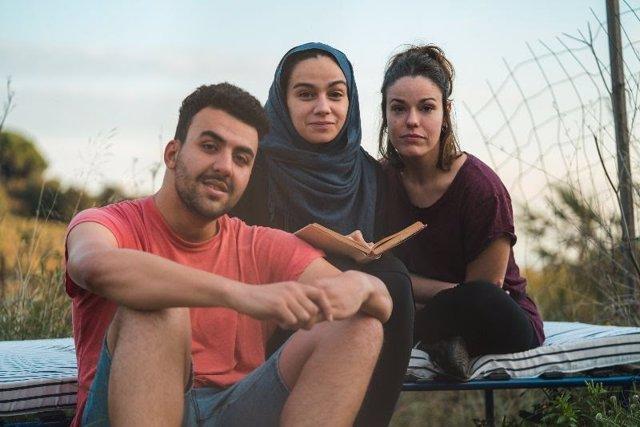 (E-D) Els Actors d''Alhayat o la suma dels dies' Georgina Latre, Manar Taljo i Moha Amazian