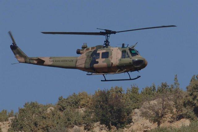 Archivo - Imagen de archivo de un helicóptero militar turco.