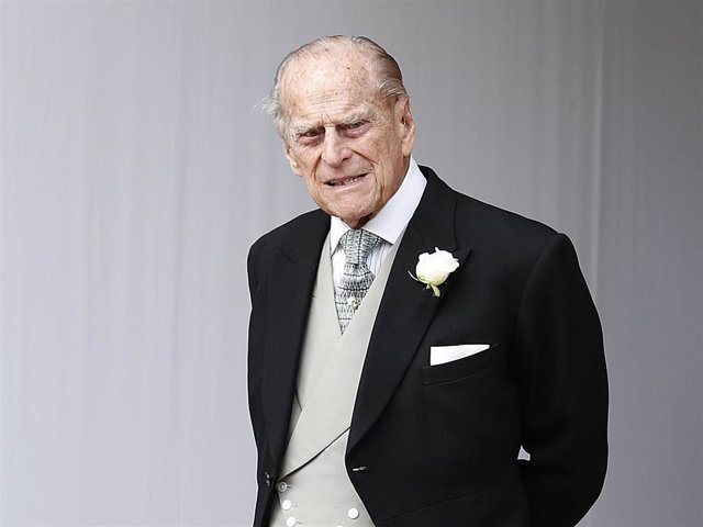 Archivo - Prince Philip, Duke of Edinburgh attends the wedding of Princess Eugenie of York to Jack Brooksbank at St. George's Chapel on October 12, 2018 in Windsor, England.