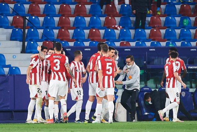 Athletic Club Bilbao players celebrates a goal during the Spanish Copa del Rey Semi Final second leg match between Levante and Athletic Club de Bilbao at Estadio Ciutat de Valencia on 4 March, 2021 in Valencia, Spain
