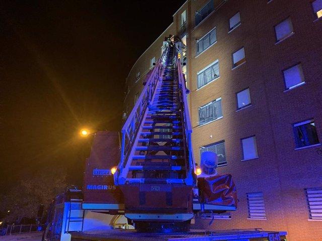 Bomberos en un incendio en Tetuán