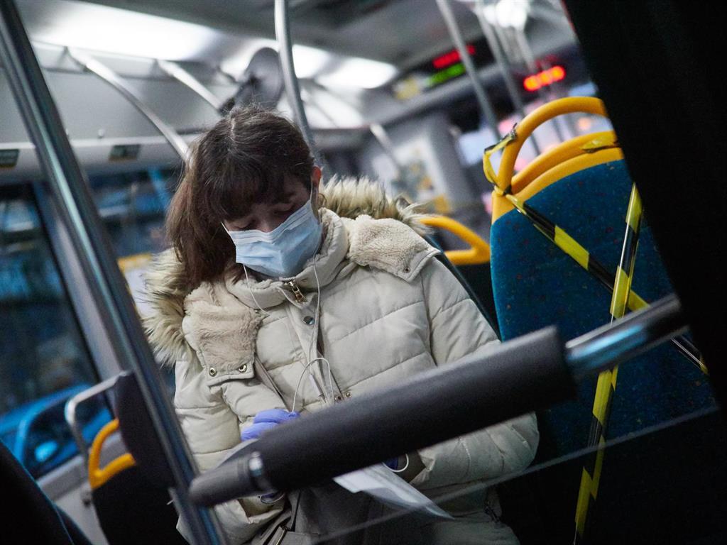 Las mujeres soportarán en España un desplazamiento laboral desproporcionado a causa de la pandemia, según MGI
