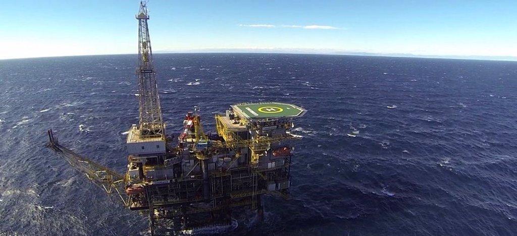 El barril de petróleo escala a máximos desde enero de 2020