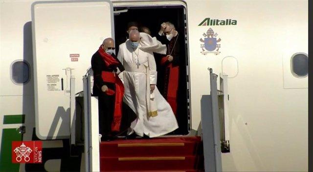 El Papa a su llegada a Bagdad (Irak)
