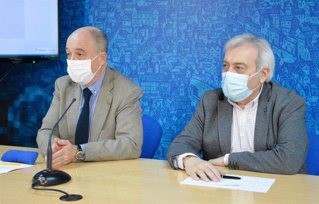 El concejal de Empleo y Promoción Económica, Francisco Rueda, y el concejal de Movilidad, Juan José Pérez del Pino