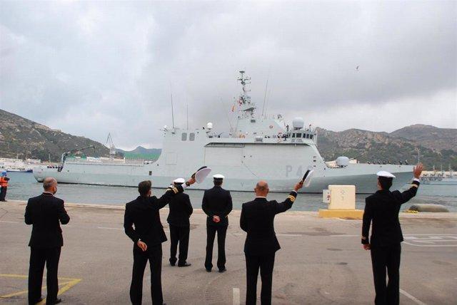 El buque 'Furor' parte de su base, en Cartagena