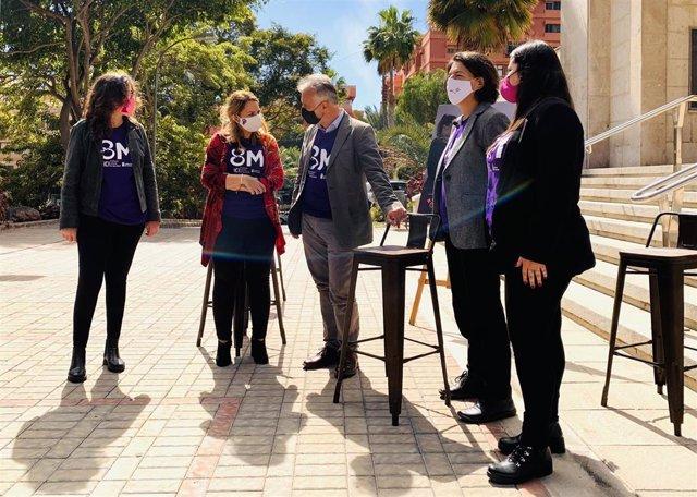 Presentación de las acciones del 8M en Canarias, acto en el que ha estado el presidente del Gobierno canario, Ángel Víctor Torres, y la consejera de Derechos Sociales, Igualdad, Diversidad y Juventud de Canarias, Noemí Santana, entre otros