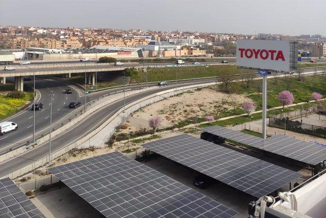 Paneles solares de Toyota.