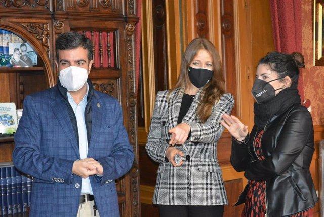 Visita a Loja (Granada) de la delegada territorial de Empleo, Formación y Trabajo Autónomo y directora provincial del SAE, Virginia Fernández.