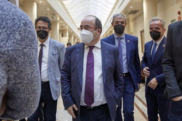 Archivo - Arxiu - El ministre de Política Territorial, Miquel Iceta, surt d'una sessió de control al Senat. Madrid (Espanya), 2 de febrer del 2021.
