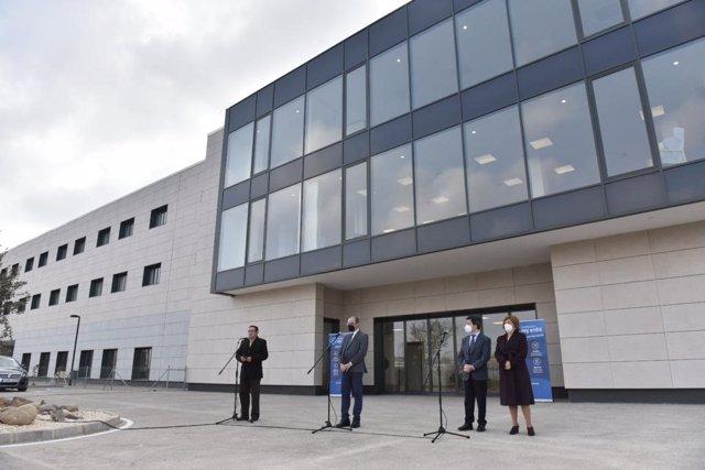 El presidente de Aragon, Javier Lambán, inaugura residencia de la Fundación Rey Ardid en Huesca.