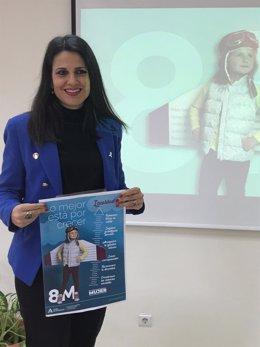La asesora de programa del Instituto Andaluz de la Mujer (IAM) en Málaga, María Encarnación Santiago, presenta campaña del 8M