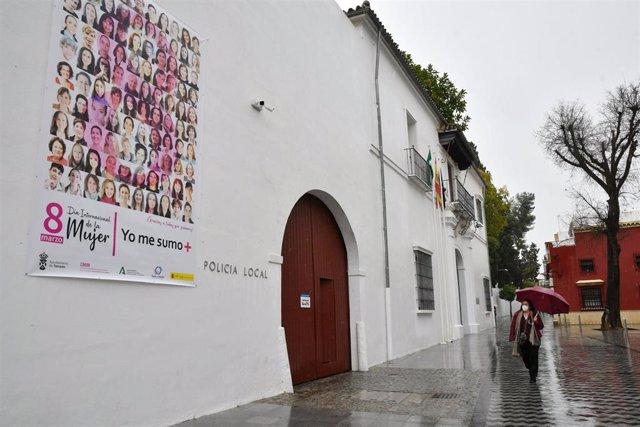 Lona con 100 fotografías de mujeres del municipio con motivo del 8M