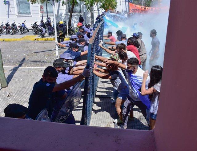 Protestas contra las medidas de restricción para frenar el coronavirus en Formosa, Argentina.