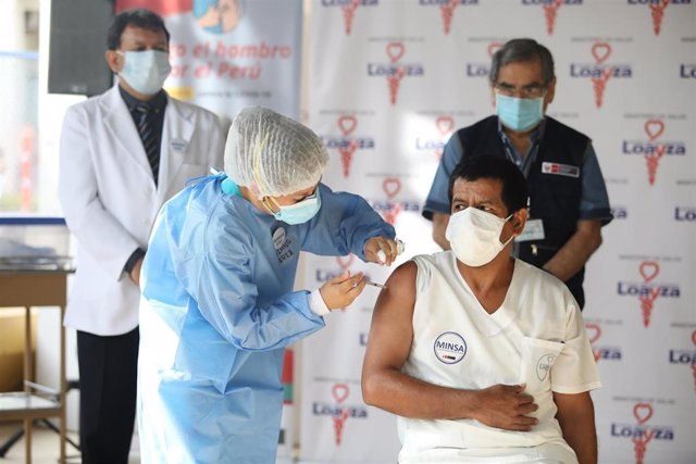 Segunda etapa de la vacunación en Perú.