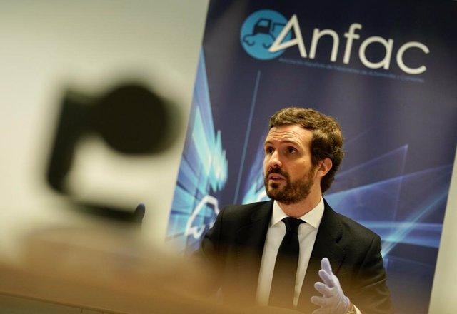Archivo - El presidente del PP, Pablo Casado, interviene en la sede de Anfac