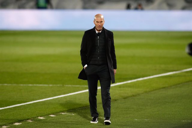 Zinedine Zidane, head coach of Real Madrid, looks on during the the spanish league, La Liga Santander, football match played between Real Madrid and Real Sociedad at Alfredo Di Stefano stadium on march 01, 2021, in Valdebebas, Madrid, Spain.
