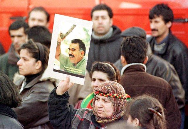 Protesta en apoyo al líder kurdo Abdulá Ocalan