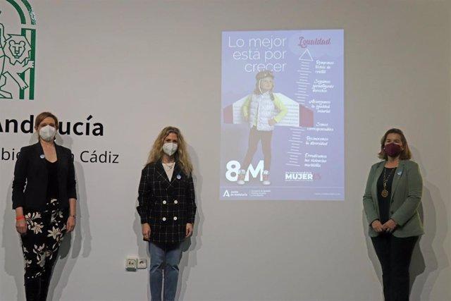 Archivo - La delegada de la Junta de Andalucía en Cádiz, Ana Mestre, y la asesora de programa del Instituto Andaluz de la Mujer (IAM) en Cádiz, Celia Mañueco, han presentado la campaña institucional de la Junta por el 8M.