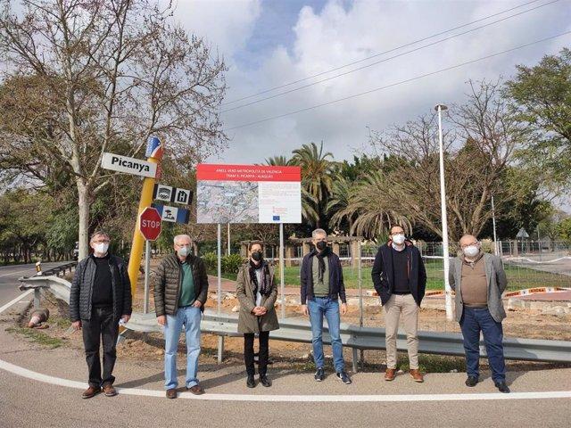 El conseller de Política Territorial, Obras Públicas y Movilidad, Arcadi España, en su visita a Picanya (Valencia) este sábado