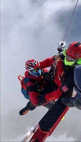 El Gobierno rescata a un esquiador en un canal de Camaleño