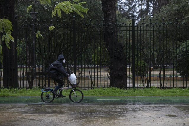 Un ciclista circulando