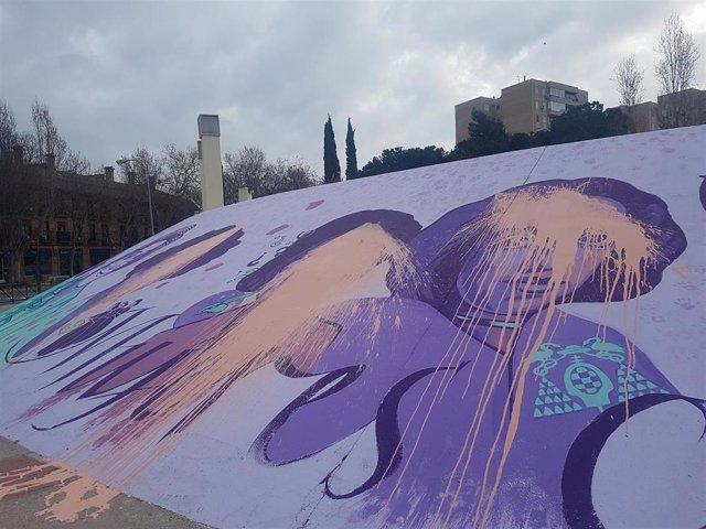Réplica del mural de Ciudad Lineal en Alcalá de Henares vandalizado