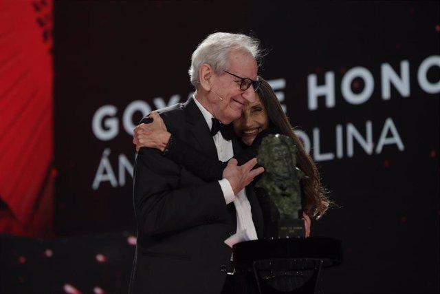 La actriz Ángela Molina recibe el Goya de Honor en reconocimiento a su carrera en los Premios Goya 2021 en Madrid, a 6 de marzo de 2021