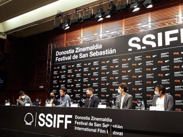 Archivo - Equipo de la película 'Akelarre' a concurso en el 68 festival de San Sebastián