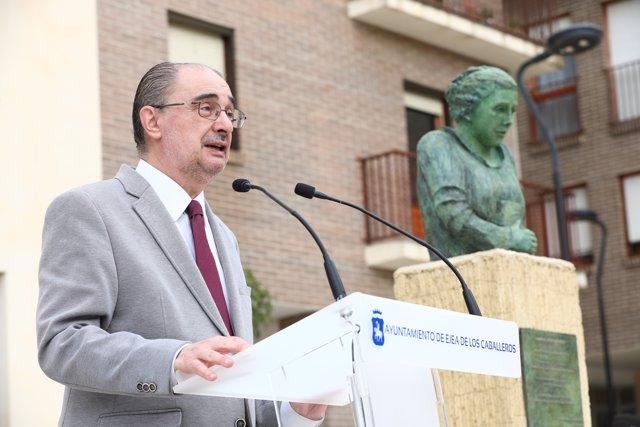 El presidente Javier Lamban participa en el acto de homenaje que Ejea de los Caballeros rinde a María Domínguez.