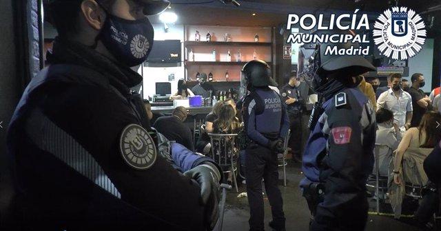 Policía Municipal desmantela 267 fiestas ilegales este viernes y sábado y pone 358 multas por botellón