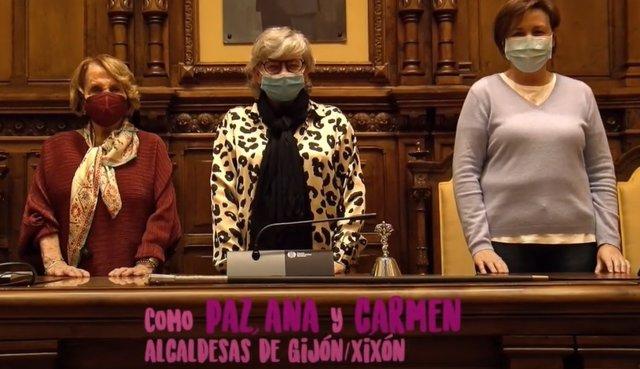 Paz Fernández Felgueroso, Ana González y Carmen Moriyón
