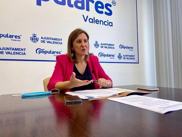 Archivo - La portavoz del PP en el Ayuntamiento de València, María José Catalá, en la rueda de prensa.