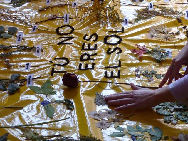 'Tú NO Eres El Sol', Grito Valenciano Del 8M Inspirado En Poemas Emily Dickinson Contra La Violencia Machista