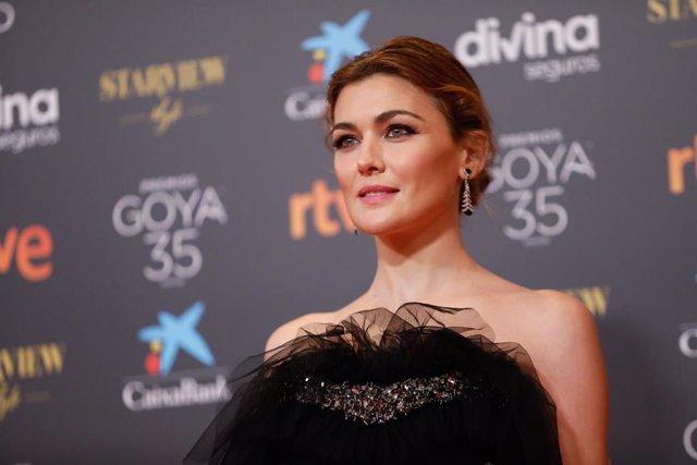 La actriz Marta Nieto posa en la alfombra roja en la 35 edición de los Premios Goyaen elTeatro del Soho CaixaBank de Málaga