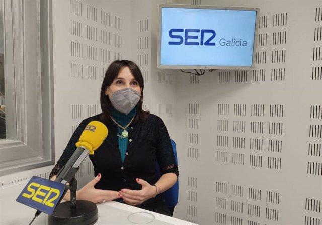 La conselleira de Emprego e Igualdade, María Jesús Lorenzana, en una entrevista en la Cadena Ser.