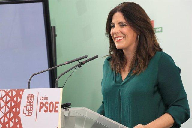Archivo - La  coordinadora del Grupo Parlamentario Socialista del PSOE de Jaén, Ángeles Férriz.