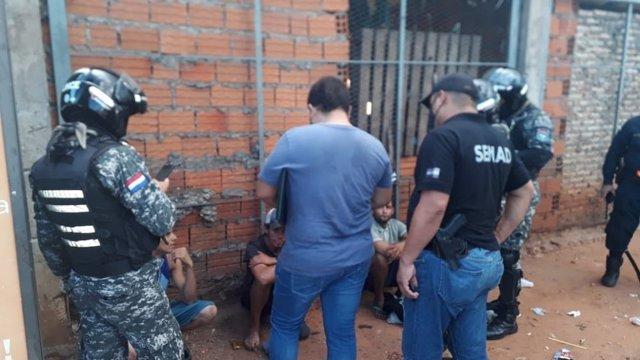 Policías de Paraguay