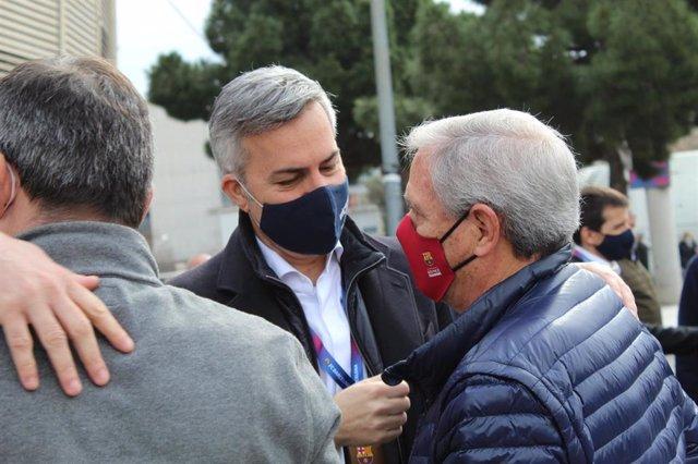 El candidato a la presidencia del FC Barcelona Víctor Font poco antes de votar, en el Camp Nou