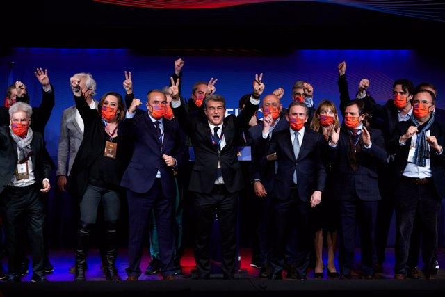 Celebración de Joan Laporta y su equipo de 'Estimem el Barça' tras ganar las elecciones a la presidencia del FC Barcelona, el domingo 7 de marzo de 2021