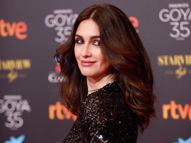 La actriz Paz Vega  , posa  en la alfombra roja en la 35 edición de los Premios Goyaen elTeatro del Soho CaixaBank de Málaga