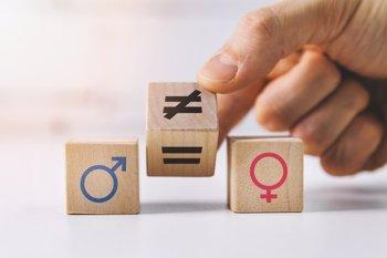Foto: ¿Mujeres y hombres iguales ante la medicina? No, estas son las 6 principales agresiones a la salud de la mujer