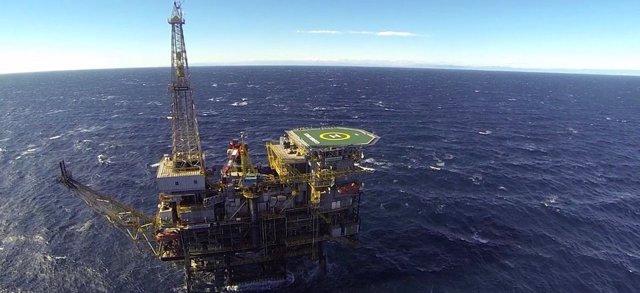 Archivo - Plataforma petrolífera Casablanca, de Repsol, en Tarragona